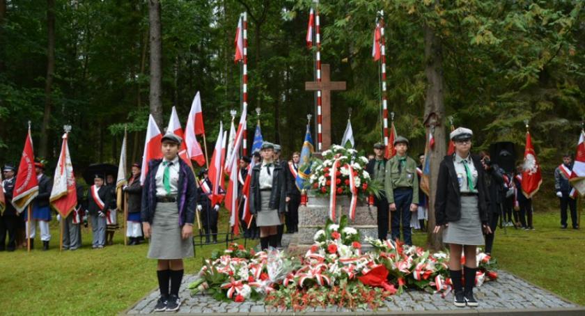 Uroczystości patriotyczne, Kaliska Oddali hołd ofiarom wojny światowej - zdjęcie, fotografia