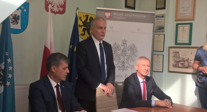 Inwestycje, Ponad drogi powiatu kartuskiego ramach - zdjęcie, fotografia