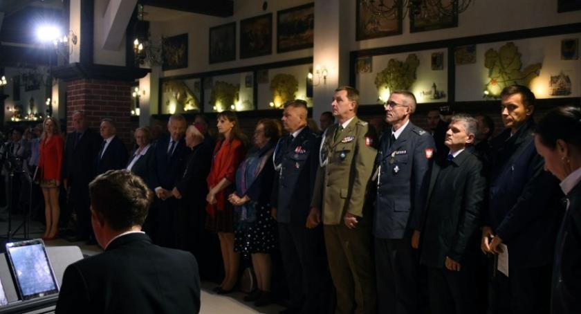 Uroczystości patriotyczne, pamięć odeszła obchody Światowego Sybiraka Szymbarku - zdjęcie, fotografia