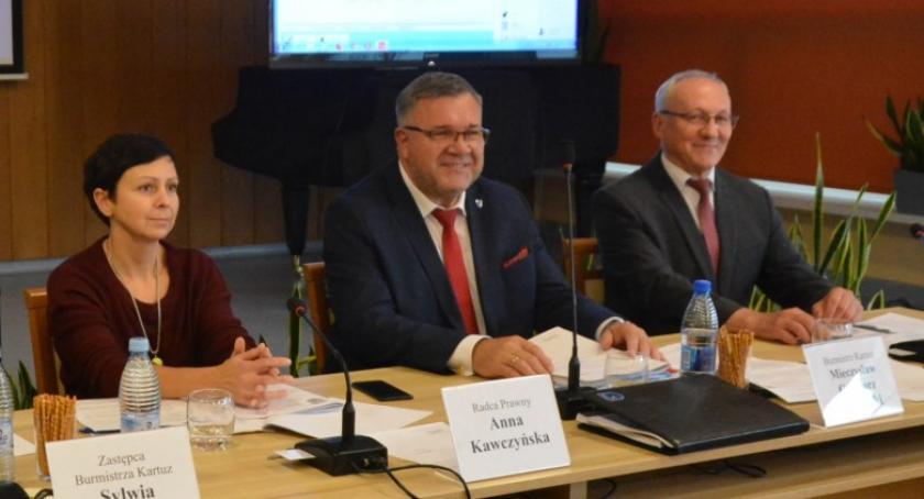 Wieści z samorządów, Komisja planu Klasztornego Małego mieszkańców burmistrz - zdjęcie, fotografia