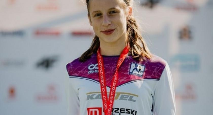 Biegi, Julia Gruchała Mistrzynią Polski Młodziczek biegu 1000m - zdjęcie, fotografia