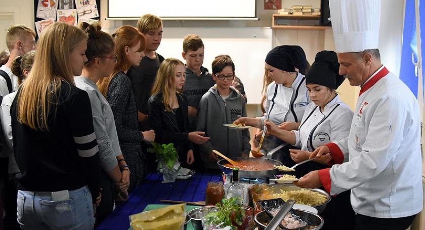 Szkoły średnie, Święto turystyki Somoninie - zdjęcie, fotografia