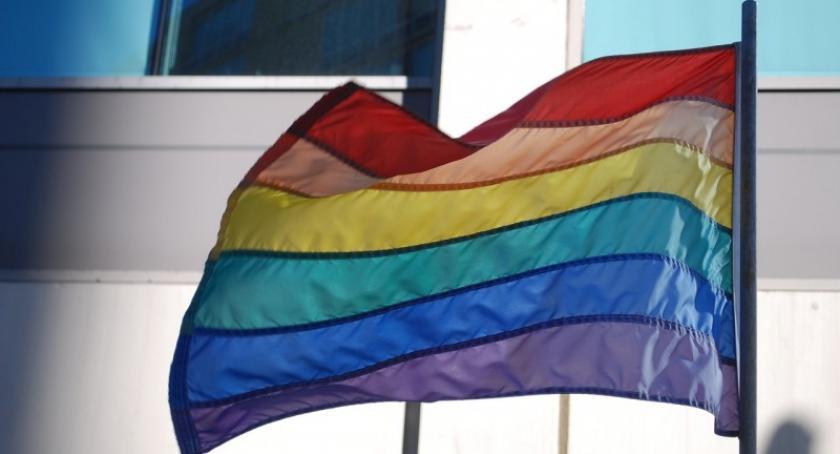 Opinie, Druga strona medalu Osoby homoseksualne biseksualne Kaszub zabrały głos - zdjęcie, fotografia