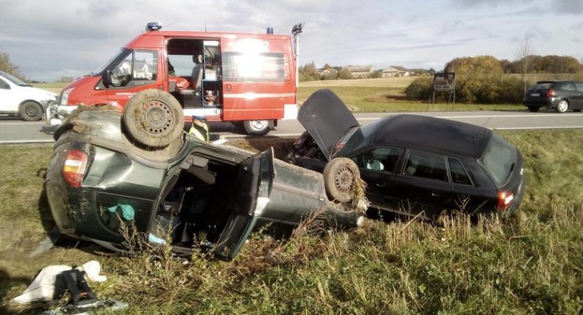Wypadki, Starkowa Niebezpieczne wyprzedzanie krajowej jedna osoba szpitalu - zdjęcie, fotografia