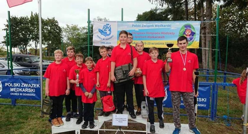 Szkoły podstawowe, Uczniowie Banina brali udział Olimpiadzie Młodzieży sportach wędkarskich - zdjęcie, fotografia