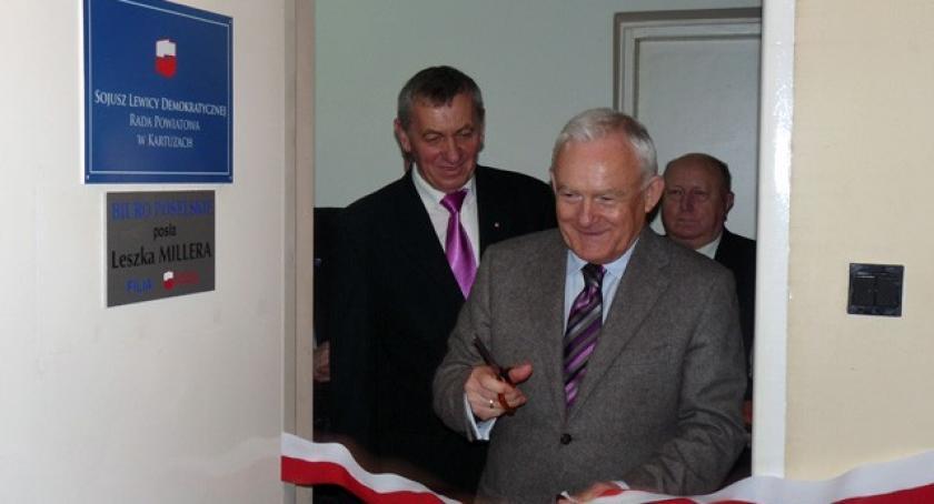 Polityka, Kartuzy Leszek Miller otworzył biuro poselskie - zdjęcie, fotografia