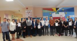 Sierakowice. Uczennice ZSP będą reprezentować powiat kartuski w ogólnopolskim finale konkursu historycznego w Poroninie