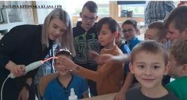 Kreatywni fryzjerzy z Mściwoja odwiedzili dzieci w Czeczewie