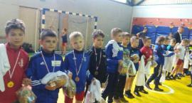 Najmłodsi zapaśnicy Cartusii najlepsi na Międzynarodowym Turnieju Mikołajkowym w Żukowie
