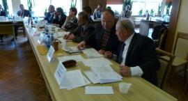 Radny wnioskuje o budowę ścieżki rowerowej i boiska w Dzierżążnie