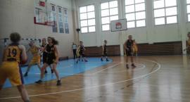Koszykarki UKS BAT z wysokim wynikiem w lidze juniorek
