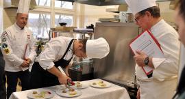 Przyrządzali fantazyjne dania z ryb i owoców morza. Międzynarodowy konkurs gastronomiczny w ZSP w Somoninie