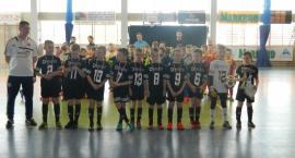 Halowy turniej piłki nożnej rocznika 2007 i młodszych w Kiełpinie