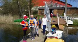 Młodzi żeglarze z Chmielna walczą o dotację na doposażenie i remont łodzi - możesz pomóc jednym klikiem