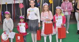 Deszczowy Dzień Dziecka w Stężycy z konkursem talentów i wyborami Małej Miss