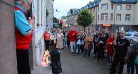 Mieszkańcy Kartuz nadal solidarnie protestują