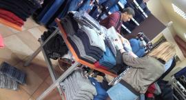 Uczniowie z Francji na praktykach w kartuskich sklepach
