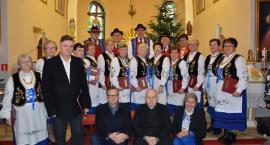 Czeczewo. Trzy pokolenia  śpiewały pastorałki i piosenki świąteczne