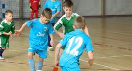 Turniej Piłki Nożnej Halowej w Somoninie rocznika 2008. Zwycięstwo Cartusii A Kartuzy