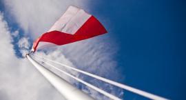 Sierakowice. Flaga narodowa dla każdej rodziny