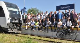 Ocalić połączenie kolejowe z Kaszub do Trójmiasta - podpisali list intencyjny i przejechali historyczną linią