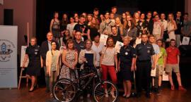 Młodzież o problematyce uzależnień na Przeglądzie Małych Form Teatralnych w Kartuzach