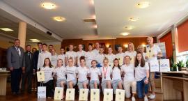 Burmistrz nagrodził młode mistrzynie i mistrzów Polski