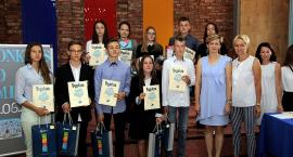 Gimnazjaliści z Żukowa podbijają ekonomiczny świat
