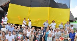 Ostrzyckie Lato z kolejnym rekordem - gigantyczną flagą Kaszub