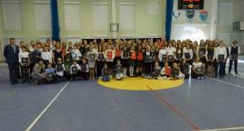 Żukowo. Ponad 200 uczniów otrzymało stypendia Rady Miejskiej i burmistrza