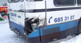 Pociąg uderzył w autobus