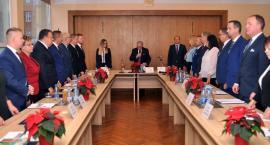 Pierwsze obrady Rady Miejskiej w Kartuzach - przewodniczącym Mariusz Treder