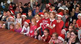 Mikołaj spotkał się z milusińskimi w Kartuskim Centrum Kultury