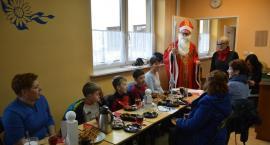 Sierakowice. Akcja oddawania krwi z wizytą św. Mikołaja w tle