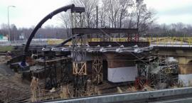 Trwa budowa kładki przy ul. 3 Maja