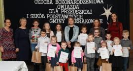 Nagrodzono ozdoby bożonarodzeniowe wykonane przez dzieci z terenu gminy Sierakowice