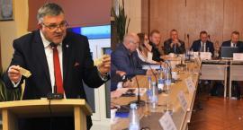 Polityczne rozgrywki na sesji rady miejskiej - Kartuzy wystąpią ze Związku Miast Polskich?