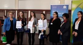Sukces kartuskich uczennic na olimpiadzie wiedzy o ubezpieczeniach społecznych