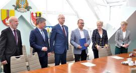 Podpisano umowę na budowę sali sportowej w ZSP w Przodkowie