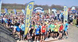Kilkuset biegaczy rozpoczęło cykl Kaszuby Biegają w Somoninie