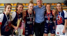 Pięć podopiecznych UKS BAT Kartuzy z medalami Mistrzostw Polski w Koszykówce Kobiet
