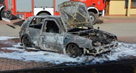 Kiełpino. Samochód osobowy spłonął doszczętnie