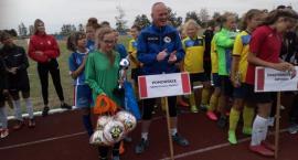 Wysokie miejsce piłkarek z Sierakowic na turnieju Mała Piłkarska Kadra Czeka