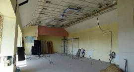 Żukowo. Modernizacja budynku urzędu gminy zmierza do półmetka