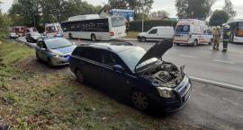Żukowo. Zderzenie autobusu szkolnego z osobówką - cztery osoby poszkodowane