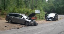 Zderzenie dwóch aut na trasie do Sianowa