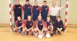 Remis w spotkaniu na szczycie Kartuskiej Halowej Ligi Piłki Nożnej