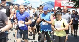 Ćwierć tysiąca osób na starcie ćwierćmaratonu w Przodkowie