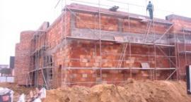 Trwa budowa basenu w Kartuzaach....