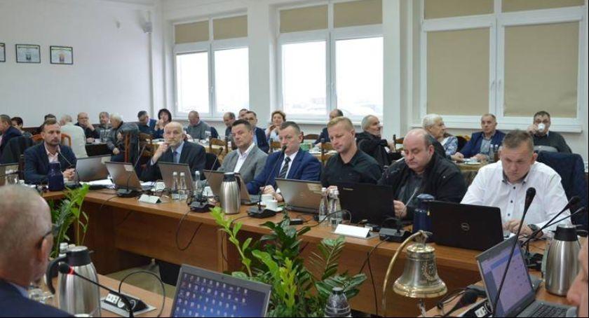 Wieści z samorządów, Sesja Gminy Kościerzyna - zdjęcie, fotografia